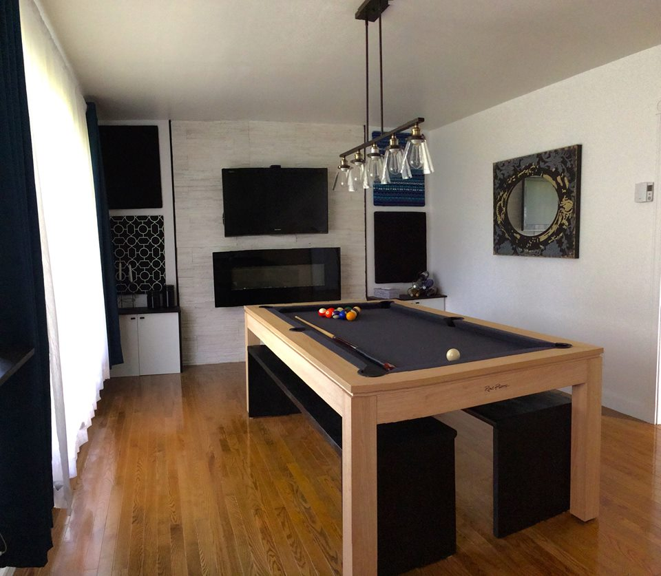 un billard ren pierre dans une salle manger design. Black Bedroom Furniture Sets. Home Design Ideas