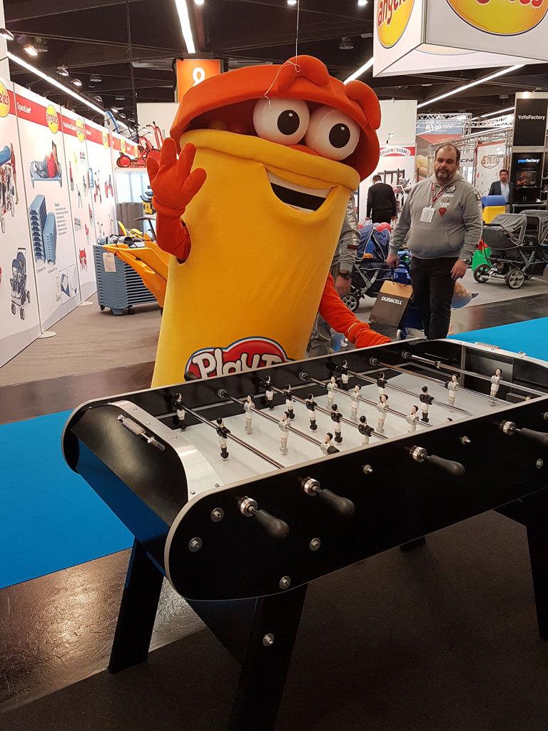 """Baby-foot Match noir au """"Spielwarenmesse"""""""